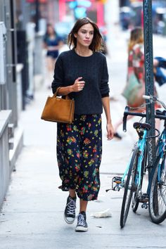 On copie le look d'Alexa Chung sans se ruiner - Be.com