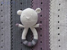 Moderno manta Crochet y oso de peluche sonajero por nipiti en Etsy