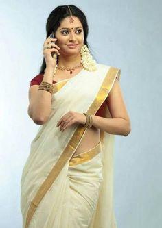 Indian Bridal Sarees, South Indian Sarees, Indian Beauty Saree, South Indian Actress Hot, Most Beautiful Indian Actress, Kasavu Saree, Kerala Saree, White Saree, Beautiful Saree