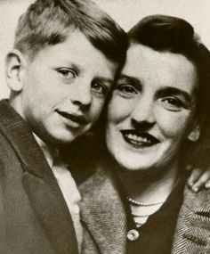 Young Ringo with his Mom.