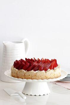פאי תותים ומסקרפונה ללא קמח נטלי לוין