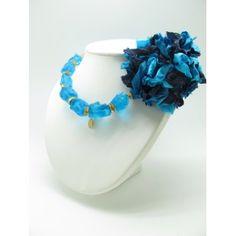 Fabuloso #Collar Olivia con flor de tela handmade en tonos azules. Más modelos en www.luxeli.com