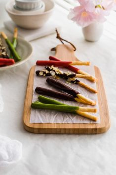 Homemade Pocky Sticks | Sift & Simmer Green Tea Soap, Matcha Green Tea Powder, Freeze Dried Strawberries, Chocolate Strawberries, How To Make Chocolate, Homemade Chocolate, Choco Pie, Chocolate Decorations