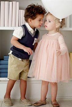 Pienen pojan ja tytön juhlatyyli