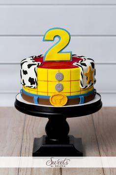 Las 30 tortas más lindas de Toy Story - Toys for years old happy toys Jessie Toy Story, Fête Toy Story, Bolo Toy Story, Toy Story Theme, Toy Story Cakes, Toy Story Party, Toy Story Birthday Cake, Woody Birthday, 2nd Birthday Parties