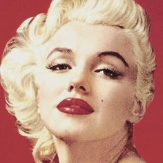 Undoubtably one of the most incandescent and iconic beauties of all time… Lisa Eldridge, Milton Greene, Marylin Monroe, Studio Portraits, Old Hollywood, Photo And Video, Hair Styles, Makeup, Instagram Posts