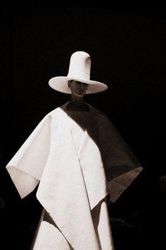 Gareth Pugh Fall-Winter 2014 at PFW.   THAT HAT!