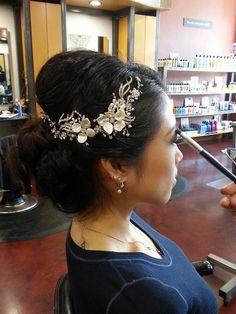 Rhinestone and Keishi pearl flower hair vine by OWDJewelry.Etsy.com
