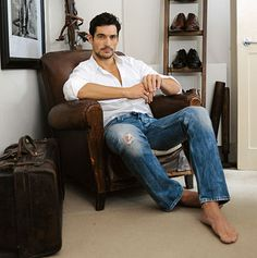 dear gandy, dear god man..even your hooves are attractive. usually I want to bash feet with a hammer but in your case i'll make an exception.