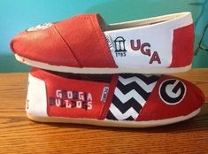 Hand Painted Georgia Bulldog Toms NOTE by PaintYourSole on Etsy