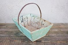 Vintage French Green Painted Wood Garden Trug Basket with Metal Handle, Grape Picking Basket, Wine, Vendanges, Shabby Chic, Vineyard