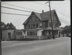 Image of 79.022.2135, Negative, Film: Henny's Steak House, photo by Herbert A. Flamm, 1956