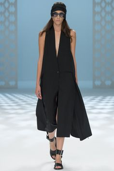 See the Chalayan Spring 2015 runway show on Vogue.com.