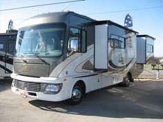 Go anywhere with this one. 50 amp service, two ac's, two slide-outs and more. All wrapped up in 30ft.  http://www.buyandsellrvs.com/rv/for-sale/1115907/