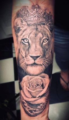 Queen Women S Lioness Tattoo Lion Tattoo With Crown, Crown Tattoos For Women, Cute Tattoos For Women, Sleeve Tattoos For Women, Tattoo Designs For Women, Women Sleeve, Lioness Tattoo Design, Crown Tattoo Design, Lion And Lioness Tattoo