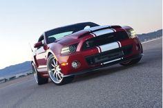 Nuestra publicación número 100 de Carros101 es dedicada al Mustang Shelby Gt500 Super Snake de 2013. Visita la siguiente página: http://www.carros101.com/2013/01/mustang-shelby-gt500-super-snake-de.html Gracias por tu patrocinio a Carros101. #PTB
