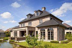 Dream Home Design, Modern House Design, Humble House, Usa House, Property Design, Exterior Makeover, Dream House Exterior, House Goals, Pool Houses