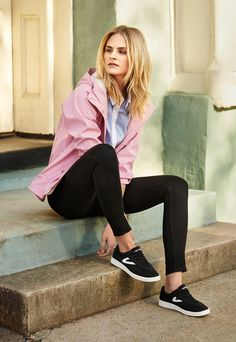 These Tretorn Nylite sneakers look chic AND won't kill your feet. #ad
