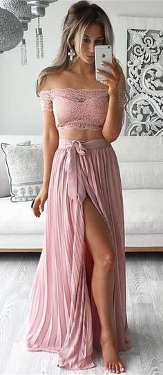 fashionable outfit idea / lace crop top + pastel maxi skirt
