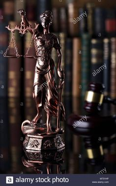 Oposiciones Justicia Wonder Woman, Statue, Superhero, Fictional Characters, Women, First Class, Wrestling, Goddesses, Life
