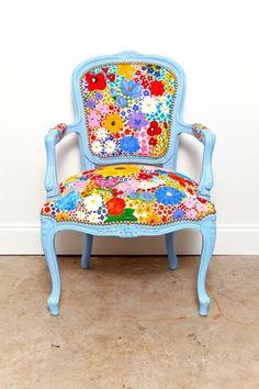 Reinventa tu hogar reciclando telas de #algodón para tapizar tus muebles. Silla de meghan