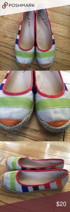 Boden espadrilles flats cute!! 9 39 These are in excellent condition! See pics for details. These shoes are not dirty. The lighter color between the colored bands is a tan shade Boden Shoes