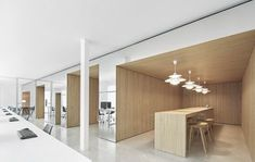 OHLAB_RA-OFFICES-1. Mirror finish. Collaboration areas. Sleek. Modern. High bench.