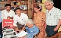 This is truly an amazing story of courage and will. This 96-year-old man, Raj Kumar Vaishya is pursuing his dream of attaining a PG degree.<div><br></div><div>When he was growing up, he couldn't complete his education due to family restrictions. But now, at 96, he is all set to achieve the impossible. </div><div><br></div><div>With the help of his sons and daughter-in-laws, Mr. Raj Kumar Vaishya has enrolled himself in Nalanda Open University and is all set
