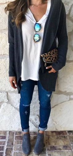 fall casual outfit idea white top + bag + cardigan + rips + boots