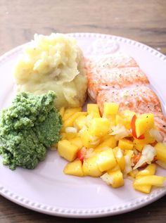 Ørret med mangosalsa | Sunnere Livsstil Food N, Food And Drink, Fish Recipes, Healthy Recipes, Healthy Food, Norwegian Food, Dere, Fish Dishes, Fish And Seafood