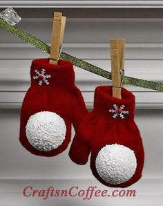 """DIY~~Mitten & Snowball Garland...""""I can see a cute swag of these mittens & snowballs across a mantel, window, kitchen cupboard, along a staircase or shelf, or??"""""""