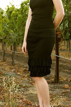 a bunch of cute skirt patterns http://media-cache4.pinterest.com/upload/64246732153735302_rTn6WNDt_f.jpg http://bit.ly/HsZD6k juliabug sewing projects