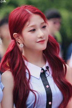 Red Hair Kpop Girl, Kpop Hair Color, Kpop Girl Groups, Kpop Girls, Asian Red Hair, K Pop, Rapper, Fashion Illustration Vintage, Uzzlang Girl