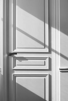 verapepa: Why struggle to open a #door between us when the whole #wall is an #illusion?