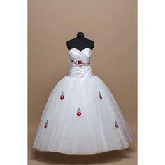Menyasszonyi ruha, kalocsai, himzett, taft, tüll, egyedi, düssesz,