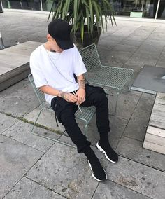 """2,263 mentions J'aime, 43 commentaires - Robin (@rxinr) sur Instagram: """"Waiting for nothing ~ #hypebeast #balenciaga #rickowens #simplefits #outfit"""""""
