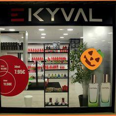Hoje estamos encerrados mas não podiamos deixar de desejar um Feliz DIA DAS BRUXAS 🎃👻💀 amanhã regressaremos cheios de energia para mais uma semana perfumada! Visite-nos! Centro comercial da Portela, loja 52, piso 1.  #bomdia #ekyval #perfumes #qualidade #aroma #duração #lowcost