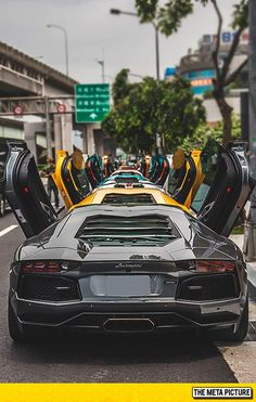 Lamborghini Aventadors | @DeyvidBarbosa | Para ver mais fotos sobre esse mesmo assunto aperte/click no meu nome:@DeyvidBarbosa (DK) e procure a pasta Lamborghini. To see more photos on that subject press / click on my name: @DeyvidBarbosa (DK) and look for the folder Lamborghini.