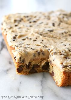 Chocolate Chip Cookie Dough Squared Bars - The Girl Who Ate Everything Köstliche Desserts, Dessert Drinks, Dessert Bars, Delicious Desserts, Dessert Recipes, Yummy Food, Winter Desserts, Tasty, Yummy Cookies