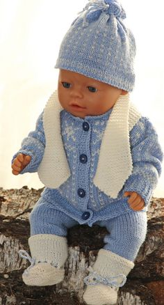 Baby Knitting Patterns Clothes From my second book 'knit doll clothes' … Design: Målfrid Gausel Knitting Dolls Clothes, Knitted Dolls, Doll Clothes Patterns, Doll Patterns, Clothing Patterns, Baby Knitting Patterns, Arm Knitting, Baby Born Kleidung, Baby Born Clothes