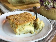 Ingredients 500 grams of potatoes 200 g of mocarelli 100 g of grated bread 4 tablespoons olive oil salt and pepper 2 tablespo. How To Make Potatoes, Potato Cakes, Flan, Lasagna, Bread, Ethnic Recipes, Olive Oil, Pepper, Gastronomia