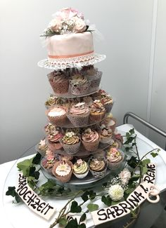 Cupcakes, Tiered Cakes, Creative Director, Desserts, Food, Gourmet, Tailgate Desserts, Cup Cakes, Dessert