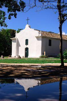 Igreja do Quadrado em Trancoso para realização de Cerimônia de Casamento. Mais dicas para Casar em Trancoso no blog.