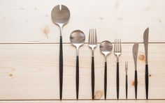 Nice way to compare sizes Cafe Restaurant, Kitchen Tools, Compost, Cool Kitchens, Flatware, Table Settings, Deco, Cool Stuff, Spoons