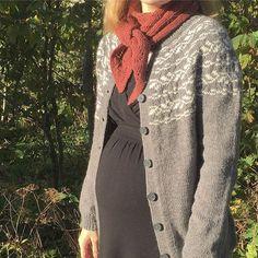 Ferdig kofte (og ikkje heilt ferdig baby ❤️). #langyndlingskofte #uke28 Website, Sweaters, Fashion, Moda, Fashion Styles, Sweater, Fashion Illustrations, Sweatshirts, Pullover Sweaters
