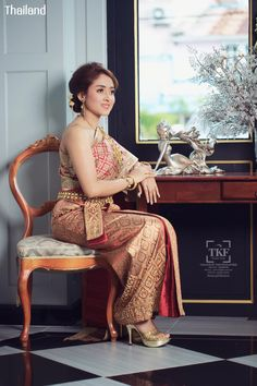 ชุดไทยวิวาห์ ชุดไทยพระราชนิยม - Traditional Wedding Costume of Thailand, ชุดแต่งงานประจำชาติไทย, Thai wedding dress. 泰國婚紗. Thai traditional wedding dress. थाई शादी की पोशाक. Thai Traditional Fashion, Thai traditional Outfits, タイのウェディングドレス, Thai Oriental Fashion. 타이어 웨딩 드레스. тайское свадебное платье. #thaiwedding #prewedding #ชุดไทยโบราณ #ชุดเจ้าสาว #เจ้าบ่าว #ชุดไทย #ชุดวิวาห์ #ชุดแต่งงาน #Thai #costume #silk #culture #traditional #national #dresses #bride #wedding #outfit #Siam #Thailand