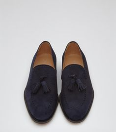 Get in step with our men's shoes. From formal leather brogues and monk-strap shoes to sports luxe sneakers and everything in between, find the perfect pair in our new collection. Only Shoes, Men's Shoes, Shoe Boots, Gentleman Shoes, Mens Designer Shoes, Monk Strap Shoes, Leather Brogues, Tassel Loafers, Blue Suede