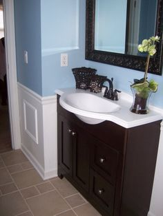 blue tan bathroom i like the different color tan tile maybe tan walls rather than blue. Black Bedroom Furniture Sets. Home Design Ideas