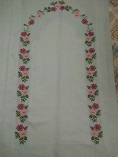This Pin was discovered by ber Cross Stitch Rose, Prayer Rug, Crochet Blouse, Sketches, Embroidery, Canvas, Flowers, Embroidery Ideas, Cross Stitch Embroidery